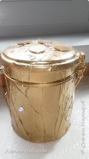 """Чашка в подарок дочке. За опору взяла толстую проволоку в два слоя,монеты клеила на""""титан"""",опору на эпоксилин,красила краской из балончика. Лаком не покрывала,и так всё блестит и сверкает. фото 6"""