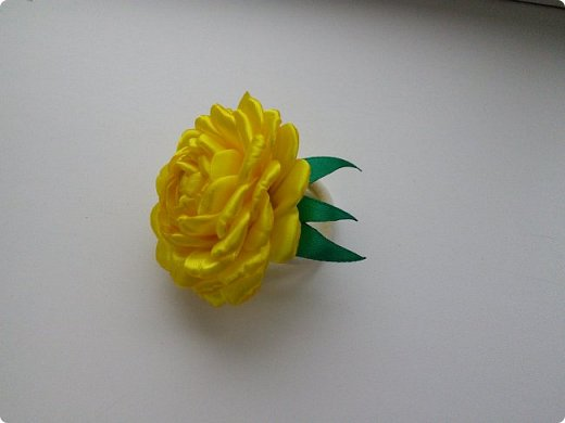 Увидела этот цветок в мастер-классе Сестричек ЕМ, купила все необходимое и вот что у меня получилось фото 2
