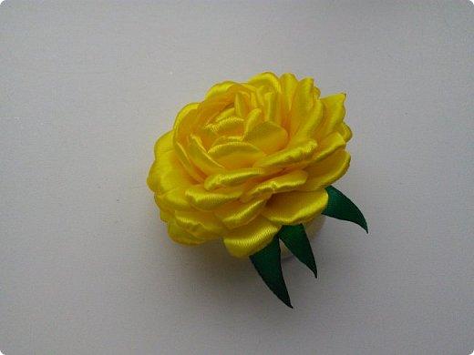 Увидела этот цветок в мастер-классе Сестричек ЕМ, купила все необходимое и вот что у меня получилось фото 1