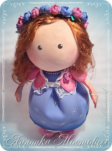 Вот такая интерьерная куколка у меня получилась) насмотрелась в интернете модных сечас кукол, обычно их шьют, а я решила сделать из фома;) фото 2