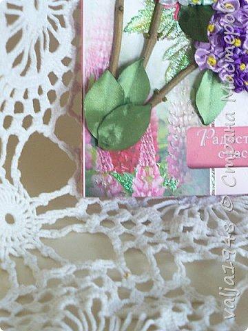 Здравствуйте дорогие жители Страны Мастеров! Я сегодня опять с открыткой на День Рождения, оформленной  вышивкой из ленточек. Ленточки-6 мм, для гроздочек,   для листочков лента -25 мм. Веточки - природный материал. фото 2