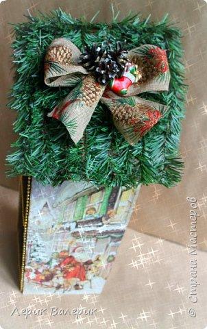 Какая девочка не мечтает о красивом домике для своих кукол? Мы с мужем, решили сделать красивый, новогодний, вместительный, функциональный, а самое главное - безопасный мини-домик для кукол.  фото 3