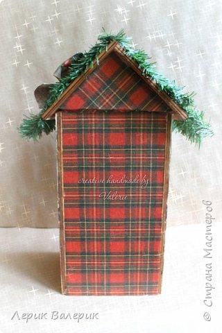 Какая девочка не мечтает о красивом домике для своих кукол? Мы с мужем, решили сделать красивый, новогодний, вместительный, функциональный, а самое главное - безопасный мини-домик для кукол.  фото 5