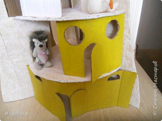 Чтобы порадовать и удивить своего внука, который приезжает ко мне на лето, был сооружен вот такой дом на дереве. Идею нашла в интернете. фото 3
