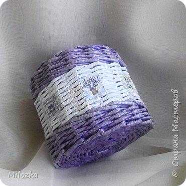 Доброго вечера! Для любителей сиреневого цвета хочу показать шкатулку для рукоделия.На крышечке бумага упаковочная.Диаметр шкатулки 28см. Трубочки окрашены колорчиками. фото 6