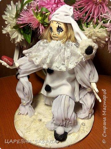 Здравстствуйте!!! вот решилась сделать куклу... не судите строго, это моя первая кукла,но уже ооочень любимая!!!)))) фото 3