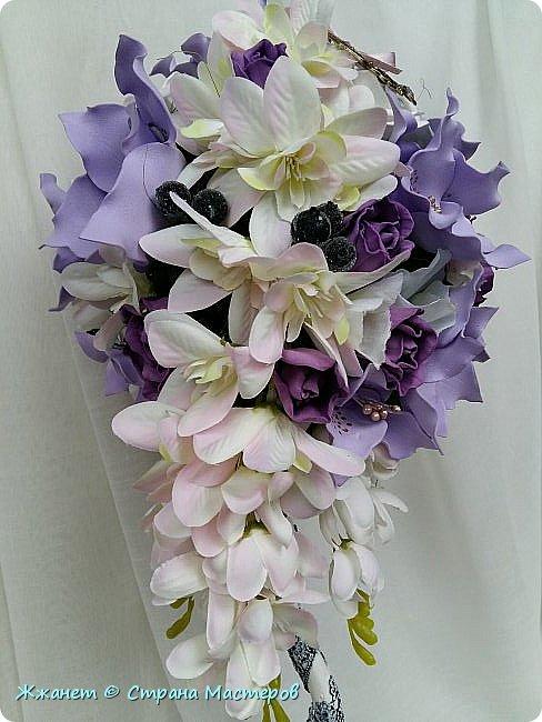 Цветы из фоамирана сделаны в ручную. фото 3