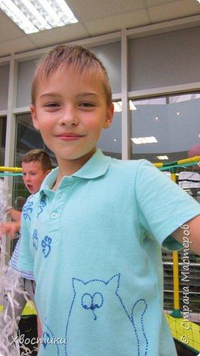 Дорогие мамочки, этот пост для вас! Если любимая футболка вашего ребятёнка испорчена пятнышками, которые не отстирываются (бывает и такое!), то не стоит от неё отказываться. фото 6
