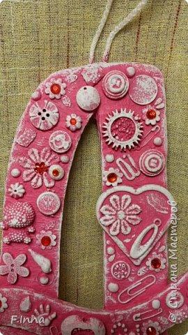 Всем привет.Летом была сделана именная цветная буква для девочки.Ничего особенного,такая же как и прошлые     http://stranamasterov.ru/node/944472     только в цвете. фото 2