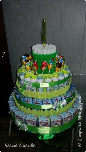 Торт из сока Барни мыльных пузырей и чупа-чупсоа. Или торт на 4 годика в сад фото 3
