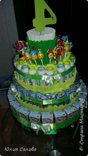 Торт из сока Барни мыльных пузырей и чупа-чупсоа. Или торт на 4 годика в сад фото 1