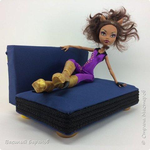 Раскладной диван-кровать для куклы