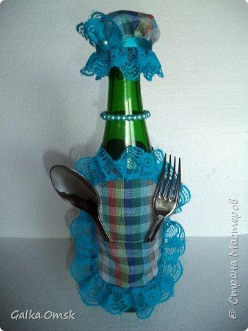 Одёжка на бутылку в подарок повару .Вилки и ложки - пластиковые фото 11