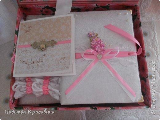 Всем привет! В предыдущем посте я показала большой свадебный набор. Теперь я хочу показать упаковку для того самого набора. Поскольку молодые будут хранить всю жизнь памятные вещи со свадьбы, нужно было их как-то упаковать. И вот что получилось фото 12