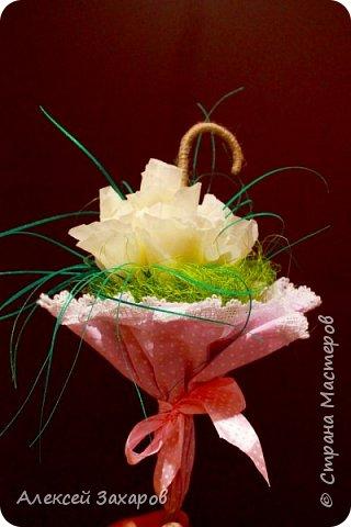 Сладкий букет в виде зонта - трости фото 2