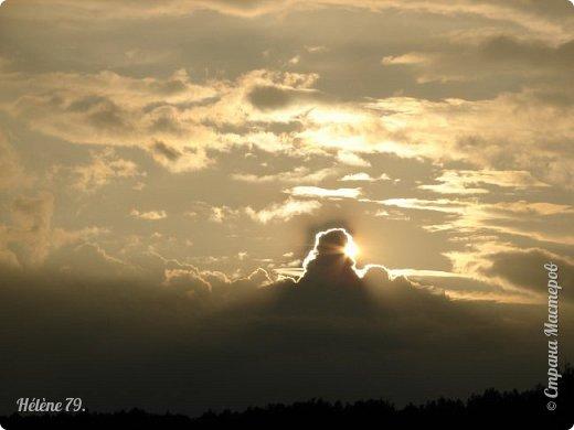 Облака, облака, Освещенные бока! Вы как чудо. Вы откуда? Из какого уголка? - Мы на море, На просторе Теплой ночью родились. Там туманом Утром рано Поднялись – и понеслись. Мы летели и глядели: Сколько в мире красоты! И домами, и садами Любовались с высоты. (С. Михалков) фото 28