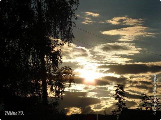 Облака, облака, Освещенные бока! Вы как чудо. Вы откуда? Из какого уголка? - Мы на море, На просторе Теплой ночью родились. Там туманом Утром рано Поднялись – и понеслись. Мы летели и глядели: Сколько в мире красоты! И домами, и садами Любовались с высоты. (С. Михалков) фото 29