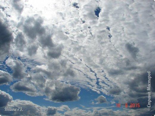 Облака, облака, Освещенные бока! Вы как чудо. Вы откуда? Из какого уголка? - Мы на море, На просторе Теплой ночью родились. Там туманом Утром рано Поднялись – и понеслись. Мы летели и глядели: Сколько в мире красоты! И домами, и садами Любовались с высоты. (С. Михалков) фото 19