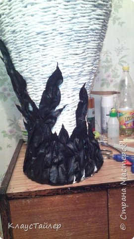 Всем большой привет кто заглянул.  Решил показать свою напольную вазу, высотой больше 125см Сплетена из кожи, основа из картона,  фото 7