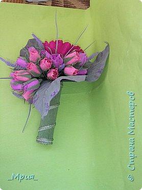 Букет делала на выпускной в 9 классе у сына для классного руководителя.Задумка в том,что цветок-пион -это учительница, а бутоны - дети.Розовые бутоны- девочки,а фиолетовые- мальчики. фото 3