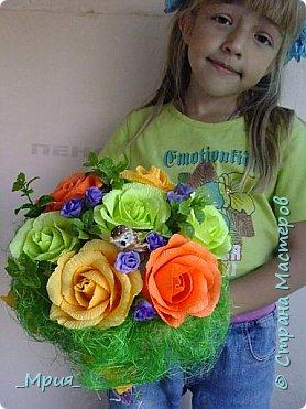 Букет делала на выпускной в 9 классе у сына для классного руководителя.Задумка в том,что цветок-пион -это учительница, а бутоны - дети.Розовые бутоны- девочки,а фиолетовые- мальчики. фото 6