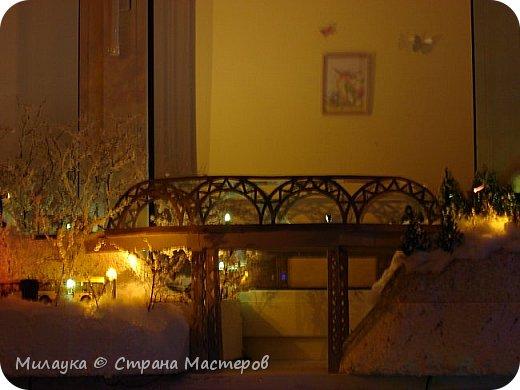 """У многих из нас Новый год ассоциируется со сказкой. Ожидание праздника, волшебства, снежных хлопьев, уюта, и чего-то сказочно-интересного.  Почему-то так сложилось, что игрушечная железная дорога - самый яркий образ новогоднего настроения. Так, насмотревшись мультфильм """"Полярный экспресс"""" мы решили соорудить нечто подобное дома на подоконнике)))  фото 18"""