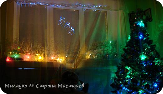 """У многих из нас Новый год ассоциируется со сказкой. Ожидание праздника, волшебства, снежных хлопьев, уюта, и чего-то сказочно-интересного.  Почему-то так сложилось, что игрушечная железная дорога - самый яркий образ новогоднего настроения. Так, насмотревшись мультфильм """"Полярный экспресс"""" мы решили соорудить нечто подобное дома на подоконнике)))  фото 1"""