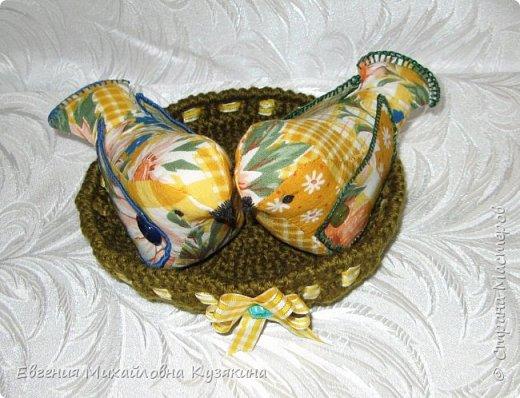 """Приветствую гостей моего блога! Увидела на просторах интернета птичек, которые мне очень понравились и долго оставались в """"хотелках"""". Вот наконец настал тот час, когда я могу показать, какие птички получились в моём исполнении. А это ссылка на птичек, которые меня вдохновили на их повторение http://www. < ссылка удалена в соответствии с п. 2.4. <a href=""""/print/regulations"""">ПС.</a> > /topic/707969-kak-sdelat-suvenir-vesennie-ptichki? фото 2"""