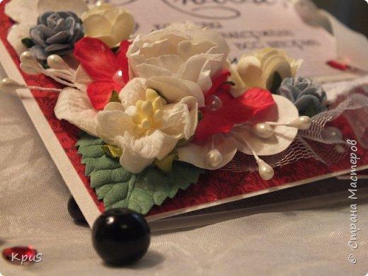 """Здравствуйте уважаемые жители СМ. Сегодня хочу показать Вам открытку, которую сделала своим родителям. Скоро у них будет годовщина свадьбы-40 лет совместной жизни. Использовала бумагу от ScrapBerry`s  """"Elegy"""", различные цветы, пластиковую рамочку и бисер, бусины. фото 2"""