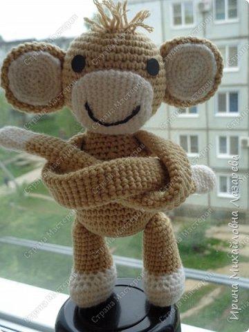 обезьянка может служить как игрушкой ,так и держателем для штор.. фото 3