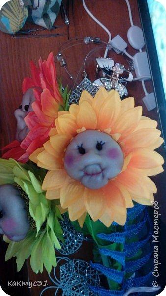 У замечательной девушки Натальи, случился ДР. И мы , как люди креативные (на всю головушку) решили сходить не в цветочный магазин, а в ближайший фикс прайс... купили подсолнухов и давай их переделывать... фото 3