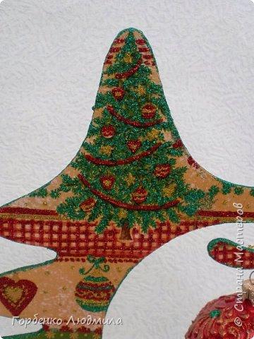 Добрый вечер,Страна! Сегодня я к Вам со своими ёлками-подвесками для новогодних шаров! Подробный мастер-класс по их изготовлению можно посмотреть здесь http://stranamasterov.ru/node/985879 Работ много,как и фотографий! фото 26