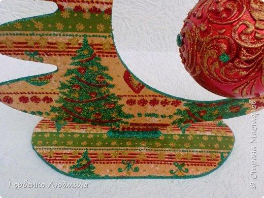 Добрый вечер,Страна! Сегодня я к Вам со своими ёлками-подвесками для новогодних шаров! Подробный мастер-класс по их изготовлению можно посмотреть здесь http://stranamasterov.ru/node/985879 Работ много,как и фотографий! фото 27