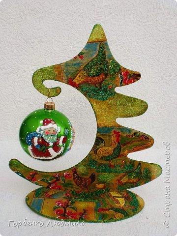 Добрый вечер,Страна! Сегодня я к Вам со своими ёлками-подвесками для новогодних шаров! Подробный мастер-класс по их изготовлению можно посмотреть здесь http://stranamasterov.ru/node/985879 Работ много,как и фотографий! фото 33