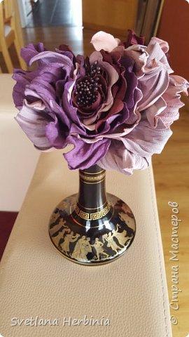 Есть роза дивная: она Пред изумлённою Киферой Цветёт, румяна и пышна, Благословенная Венерой. Вотще Киферу и Пафос Мертвит дыхание мороза, Блестит между минутных роз Неувядаемая роза…  (А.С.Пушкин) фото 8