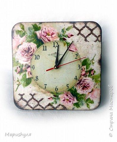"""Здравствуйте,мастера и мастерицы нашей замечательной Страны! Хочу представить на Ваш суд кухонный набор """"Винтажные розы"""". Дело в том, что давно мне нравились картинки с цветами художницы  CATHARINA KLEIN, но все в голове не укладывалось- куда бы их применить. В сентябре у любимой тетушки день рождения , наконец, я поняла, где я применю эти великолепные картинки. В набор входят часы, конфетница, короб для специй и разделочная доска. фото 2"""