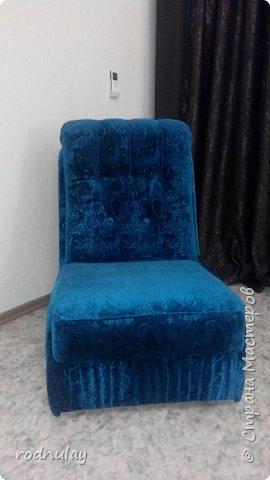 """Привет всем!  Снова я . На этот раз решила переделать кресла. Вот что получилось. Первое кресло .Вместо ножек сделали колесики, чтобы были мобильными. Мне понравилось.  Сочетание называется """"Бирюза в шоколаде"""" фото 5"""