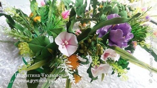 """""""А в душе лето!"""" Яркий и необычный венок для фотосесии или свадьбы из полевых цветов и травы ручной работы с небольшими вставками цветений. Каждый цветок выполнен на проволочном каркасе.Венок регулируется лентой на любой размер головы"""" фото 2"""
