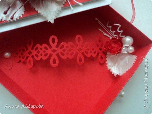 красно-белая коробочка для денег фото 3