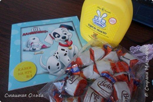 Приветик! Вчера получила посылочку по ПИФ- игре от Надежды http://stranamasterov.ru/user/413073 Сколько красоты прислала для меня Наденька, за что я ей очень благодарна! Смотрим! Красивущая рамочка для фото, она замечательная и такая нежная, ленточки, цветочки, книжечка для моего сынишки, мылко, вкусненькие конфетки и много мелкого декора. Все такое шебби-нежное и очень нужное! Спасибо Наденька, что взяла меня к себе в ПИФочки, я очень довольна!  фото 4