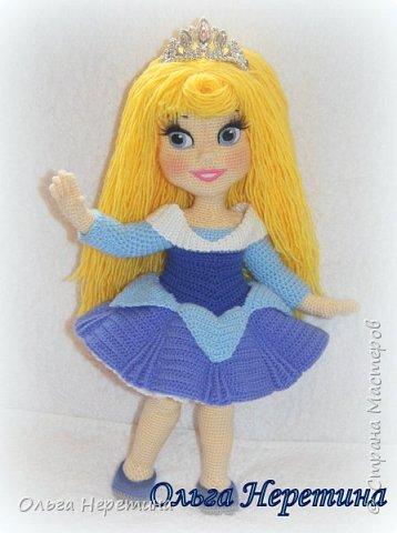 Куколка Аврора с набором одежды (связана крючком)  фото 1