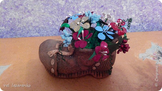 Цветы сделаны из лака для ногтей. фото 2