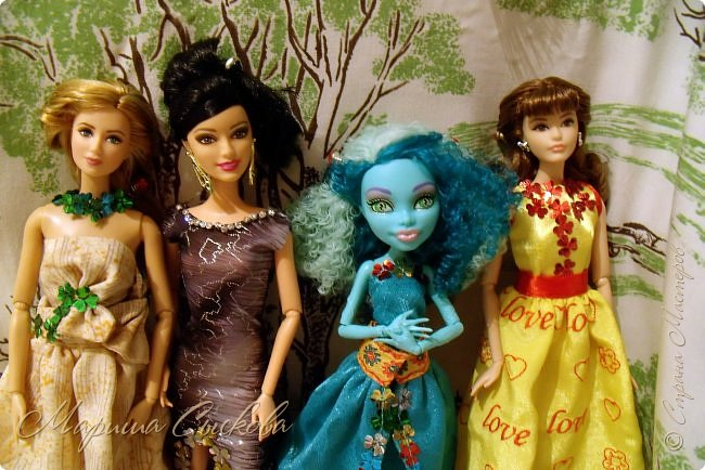 Готовились мы тут с куклами к осеннему балу)) Девчонки все в паетках!) фото 19