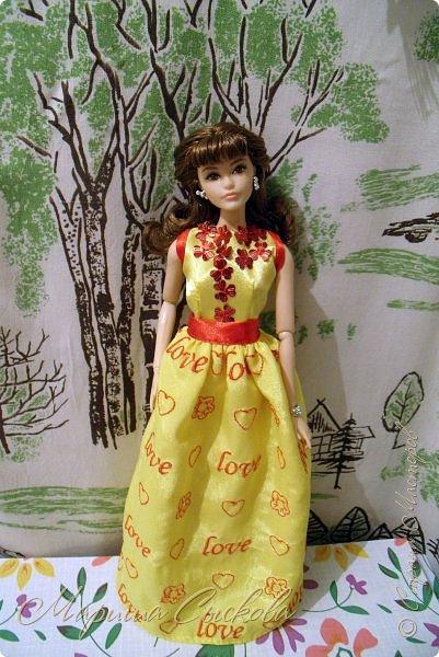 Готовились мы тут с куклами к осеннему балу)) Девчонки все в паетках!) фото 6