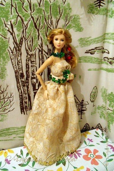 Готовились мы тут с куклами к осеннему балу)) Девчонки все в паетках!) фото 9