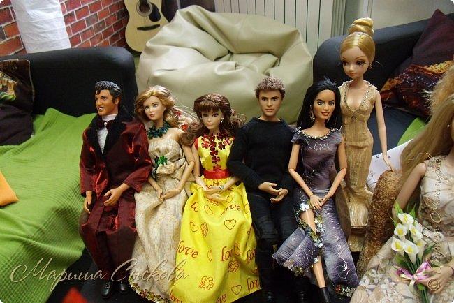 Готовились мы тут с куклами к осеннему балу)) Девчонки все в паетках!) фото 20