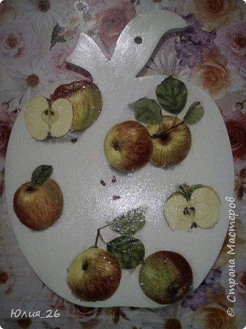 """Разделочная доска """"Яблоки"""" Обратная сторона рабочая фото 1"""
