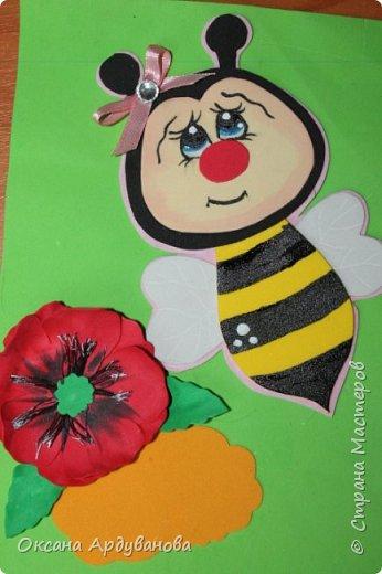 Блокноты декорированы фоамираном.Одна заготовка   еще не приклеена к  блокноту.Готовимся к дню учителя!!!Пчелки взяты из мастер-класса https://www.youtube.com/watch?v=J6aHHJEfy3E фото 2