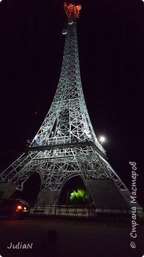 У нас тоже есть свой собственный Париж, расположившийся в Нагайбакском районе. ))))))  Специально съездили вечером, чтобы сфотографировать как башня светится. фото 2