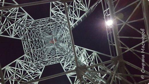 У нас тоже есть свой собственный Париж, расположившийся в Нагайбакском районе. ))))))  Специально съездили вечером, чтобы сфотографировать как башня светится. фото 3